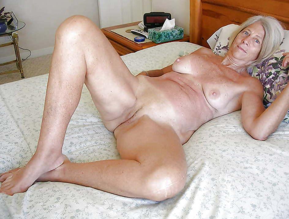 Indain girl suck8ng small penis
